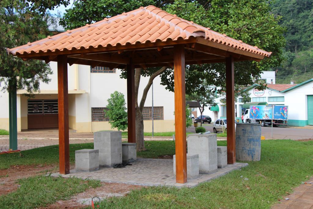 Imagem 5 - Ações para revitalização da Praça Central seguem intensas