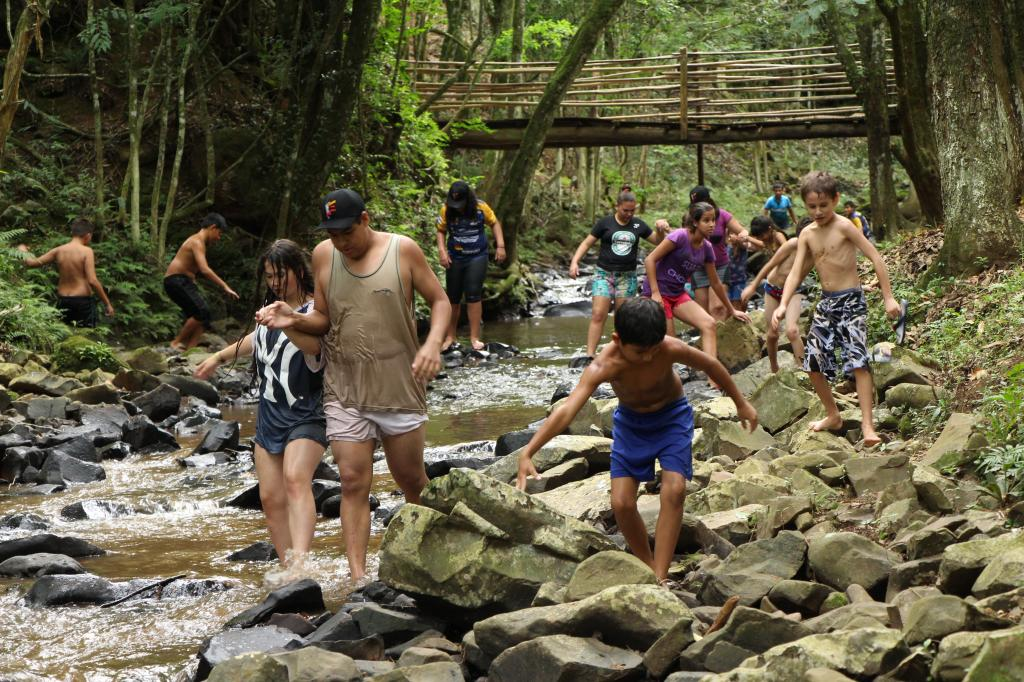 Imagem 2 - Primeiro dia do Uhuuu, tô de férias! promoveu visita à Cascata do Porongo
