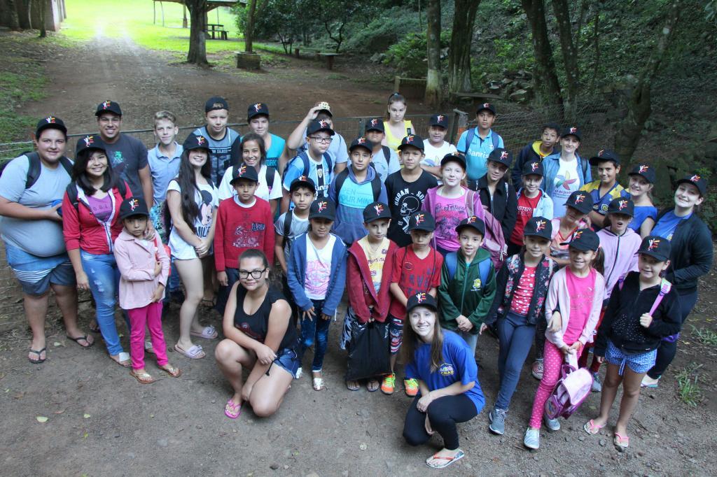 Imagem 7 - Primeiro dia do Uhuuu, tô de férias! promoveu visita à Cascata do Porongo