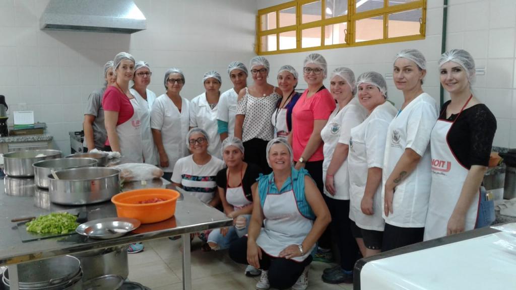 Profissionais de Coqueiros do Sul visitaram Vila Maria