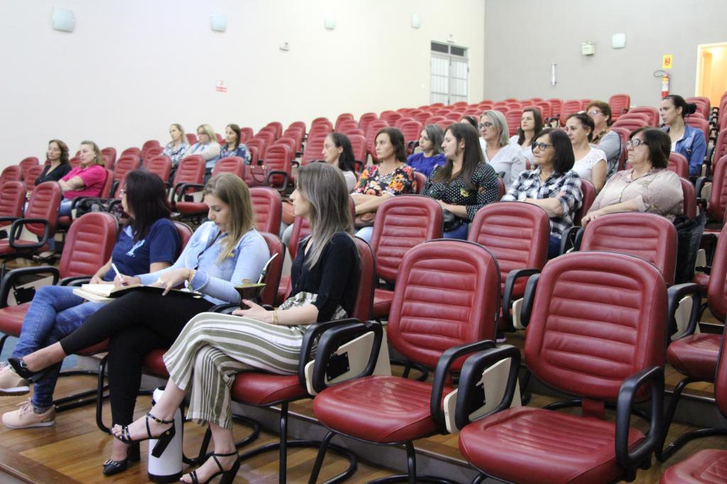 Conselheiros tutelares da região se reuniram em Vila Maria