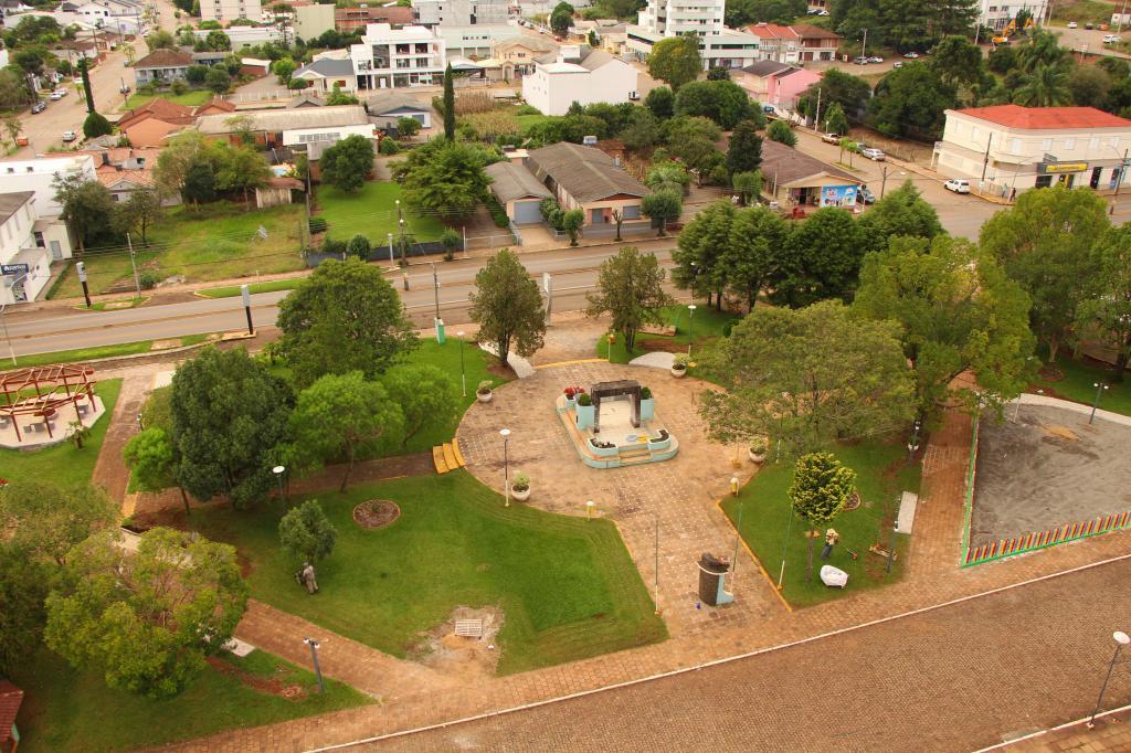 Revitalização da Praça...