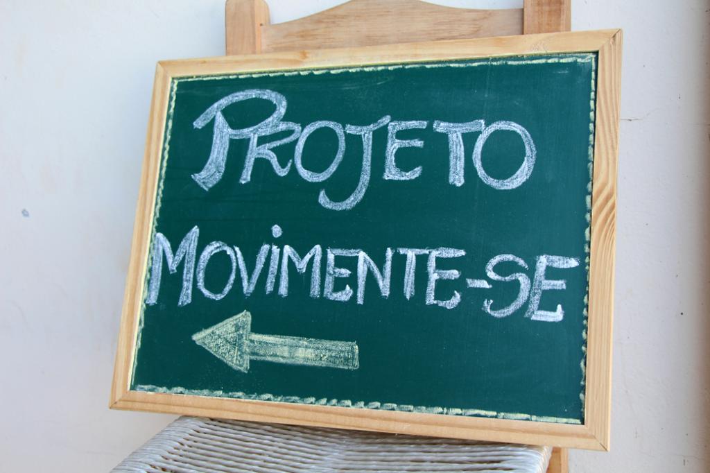 Projeto Movimente-se: idosos reunidos